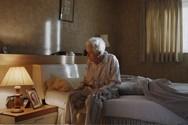 Η μοναξιά που νιώθουν οι ηλικιωμένοι τα Χριστούγεννα (video)