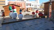 Στήνουν το Χριστουγεννιάτικο Χωριό στην πλατεία Γεωργίου - Δείτε φωτογραφίες