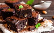 Φτιάξτε μπράουνις με καρύδια και σοκολάτα