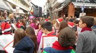 Εορταστικό σκηνικό στην Ρήγα Φεραίου, στο Χριστουγεννιάτικο μπαζάρ της Φλόγας (pics+video)