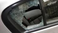 Πάτρα: Σπάνε αμάξια και τα 'γδύνουν' - Νέο κρούσμα στην Τριών Ναυάρχων