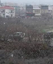 Χιόνισε μέσα στην πόλη των Ιωαννίνων (φωτο)