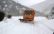 Ο χιονιάς έκλεισε τους δρόμους στα ορεινά της Αχαΐας και της Αιτωλοακαρνανίας