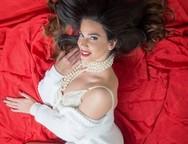 Κατερίνα Στικούδη: Σέξι φωτογράφιση με 'άρωμα' Χριστουγέννων! (φωτο)