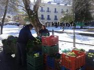 Καλάβρυτα - Λαϊκή αγορά με... έναν παραγωγό! (φωτο)