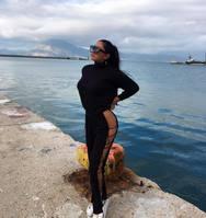 Το κορίτσι που μες στο κρύο έβαλε «φωτιά» στο λιμάνι της Πάτρας!