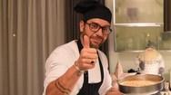 Παραδοσιακή βασιλόπιτα από τα χεράκια του Γιώργου Μαζωνάκη (video)