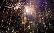Με πυροτεχνήματα υποδέχθηκε το 2018 η Αθήνα! (pics)