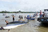 Ναυάγιο με 8 νεκρούς στην Ινδονησία!