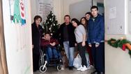 Πάτρα: Πρόσεφεραν τα δώρα τους σε Μέριμνα και Κιβωτό της Αγάπης