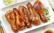 Μαγειρέψτε μπουτάκια κοτόπουλο με σως