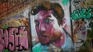 Ο... χαμένος ροκ σταρ της Παντανάσσης και η σύγχρονη 'λαϊκή' τέχνη των γκράφιτι!