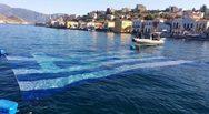 Η μεγαλύτερη υποβρύχια ελληνική σημαία, στο λιμάνι του Καστελόριζου! (video)