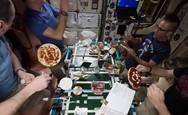 Βραδιά πίτσας στο Διεθνή Διαστημικό Σταθμό (video)