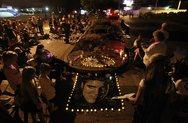 Σίνδεϊ: Οι λάτρεις του Έλβις εισέβαλαν στον κεντρικό σιδηροδρομικό σταθμό