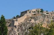 999 σκαλοπάτια αρκούν για να βρεθούμε σε ένα από τα πιο όμορφα κάστρα της Πελοποννήσου! (pics+video)