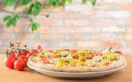 Πίτσα με καλαμπόκι και φέτα