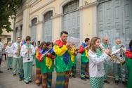 Σε ρυθμούς Καρναβαλιού η Πάτρα - Παραδόθηκε το λάβαρο στο Δημαρχείο (φωτο)
