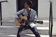 Βασίλης Κοσμάς - Ο Πατρινός που με τη κιθάρα του θέλει να μιλήσει στις καρδιές του κόσμου (pics)