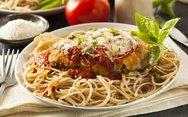 Συνταγή για κοτόπουλο σνίτσελ με παρμεζάνα και σπαγγέτι