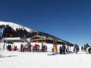 Το Χιονοδρομικό των Καλαβρύτων «βουλιάζει» κάθε Σαββατοκύριακο! (pics)
