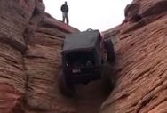 Τζιπ ανεβαίνει κάθετο βράχο στη Γιούτα των ΗΠΑ (video)