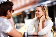 Έρευνα εξηγεί πώς οι άγνωστοι κερδίζουν την εμπιστοσύνη μας!