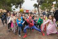 Πάτρα - Οι μικροί καρναβαλιστές έκλεψαν την παράσταση στην πλατεία Υψηλών Αλωνίων! (φωτο)