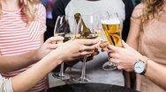 Έρευνα: Η κατανάλωση αλκοόλ βοηθά τη μακροζωία