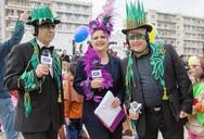 Η μετάδοση της ΕΡΤ του Πατρινού Καρναβαλιού και οι τρεις παρουσιαστές (vids)