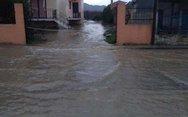 Λάρισα - Πλημμύρισαν τα παράλια (φωτο)