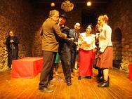 Πάτρα: Με επιτυχία πραγματοποιήθηκε η πρεμιέρα της παράστασης 'Ο Αυτόχειρας' (pics)