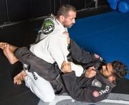 Ο Νίκος Αναδιώτης κάνει προπόνηση brazilian jiu-jitsu με τον Γιώργο Κατσινόπουλο!