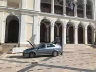 «Σέρβις» δίπλα από το θέατρο Απόλλων, στην καρδιά της Πάτρας!