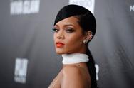 Rihanna: Ποζάρει για την νέα της καμπάνια (pics)
