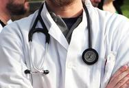 Πάτρα: Τα «λαγωνικά» εξόρμησαν στα ιατρεία - Για τακτική εκφοβισμού μιλούν οι ιατροί