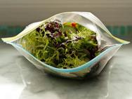 Προσοχή στις έτοιμες πλυμένες και κομμένες σαλάτες!
