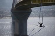 Γέφυρα Ρίου - Αντιρρίου: O αιωρούμενος χορός της Κατερίνας Σολδάτου κάνει τον γύρο του κόσμου! (pics)