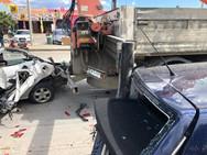 Ρόδος - Γερανός κατέστρεψε αυτοκίνητα (φωτο)