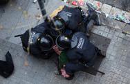 Χιλιάδες Καταλανοί διαδηλωτές κατέβηκαν στους δρόμους μετά τη σύλληψη του Πουτζδεμόν (φωτο+video)