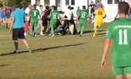 Πάτρα: 'Ροντέο' με άγριες συμπλοκές ποδοσφαιριστών και παραγόντων στο γήπεδο του Σαραβαλίου