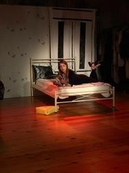 'Μην ενοχλείτε' - Η νέα παραγωγή των Υποκριτών ανεβαίνει στο θεατρικό σανίδι τον Μάιο!