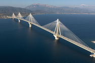 Τις 90.000 έφτασαν οι διελεύσεις στη Γέφυρα Ρίου - Αντιρρίου τις ημέρες του Πάσχα
