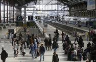 Η Γαλλία απεργεί αλλά η δημοτικότητα του Μακρόν βρίσκεται στα ύψη