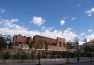 Πάτρα: Ιάπωνες τουρίστες πήγαν να μπουν στο Ρωμαϊκό Ωδείο, αλλά… άργησαν!