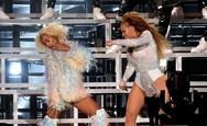 Beyonce - Solange: Το ατύχημά τους στη σκηνή του Coachella (video)
