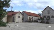 Πάτρα: Μετανάστες βρήκαν κατάλυμα στον χώρο των Παλαιών Σφαγείων