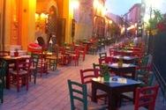 'Γλυκές' νύχτες στην Πάτρα, με 'άρωμα' Μαγιού στις πλατείες και στους πεζόδρομους!