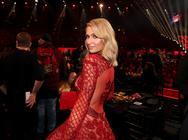 Paris Hilton - Έπεσε θύμα γυναίκας χάκερ (φωτο)