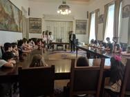 Πάτρα - Μικροί μαθητές βρέθηκαν στο Δημαρχείο και συνομίλησαν με τον Κώστα Πελετίδη (φωτο)